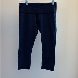 Gently used Lululemon cropped pants (Navy)